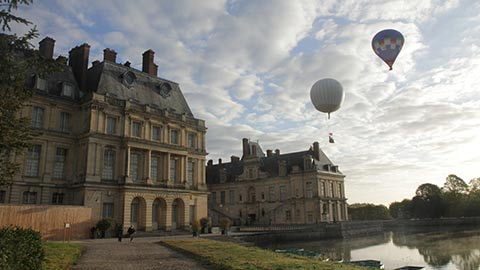 Balloons over Fontainbleau